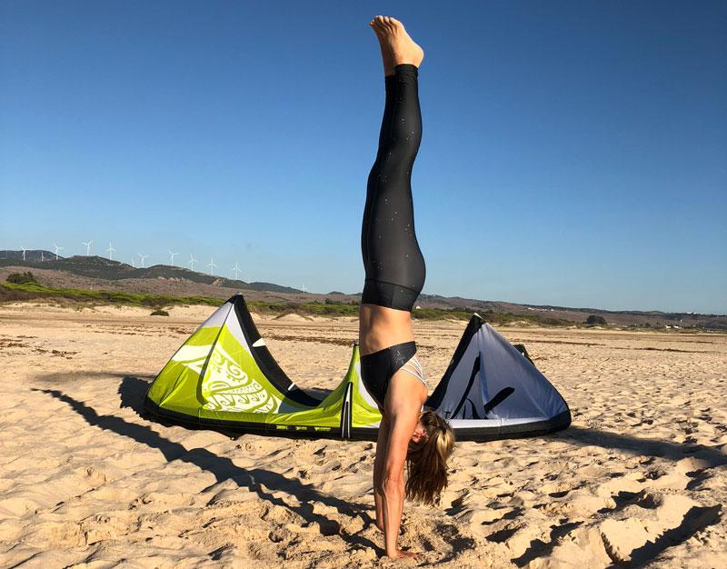 tanja yoga handstand